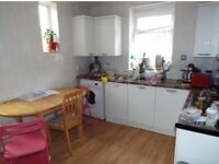 1 double room to let in a 3 bedroom house