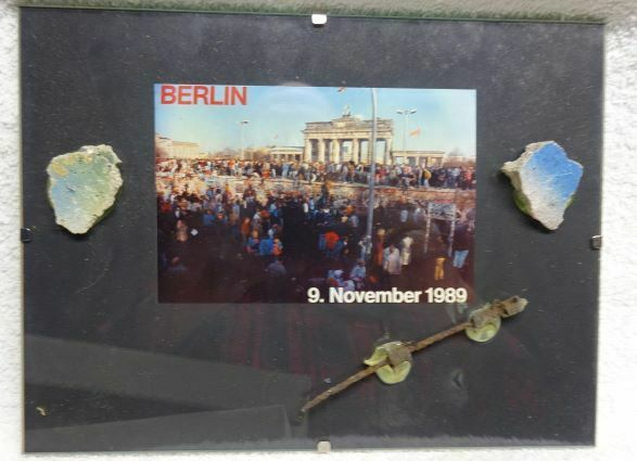 ** Vintage -  GENUINE pieces of BERLIN WALL, BARBED wire & Picture #1 - FRAMED