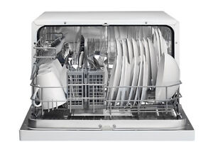 GREAT CONDITION DANBY COUNTERTOP DISHWASHER