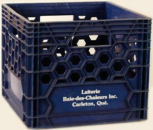 UNE caisse de lait noire West Island Greater Montréal image 1