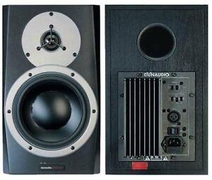 2 moniteurs de studio Dynaudio BM5a monitors