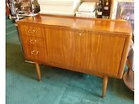 Vintage Scandinavian Style Mid Century Modern V Good Condition Cocktail cabinet