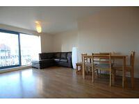 1 bedroom flat in Sherwood Gardens, Isle of Dogs