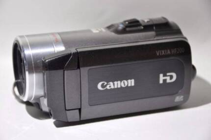 Canon LEGRIA HF200 AVC Camcorder with carry case