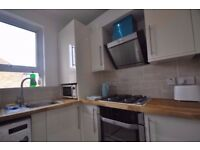 DECENT DOUBLE BED ROOM WITH ROMANTIC SKY WINDOWS TO LET IN WEST EALING W13 9HY