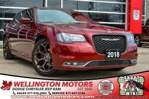 2018 Chrysler 300 300S / Leather / Pano Sunroof / Navigation ...