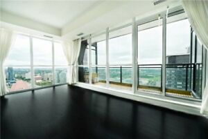 Bright & Spacious 2 Br+1 Den With 2 Full Wr **Spacious Kitchen,