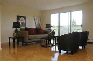 1 BR - Live by the Lake! Upgraded Suites - Close to Transit