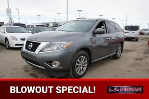 2015 Nissan Pathfinder 4X4 S 7 PASSENGER Accident Free,  3rd Row