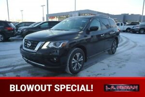 2017 Nissan Pathfinder 4X4 SV Accident Free,  Heated Seats,  3rd