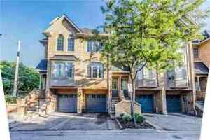 Well Maintained Bright Spacious 3BR Townhome In Mississauga