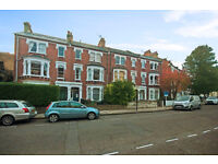 Spacious 3 Bedroom Garden House - AVAILABLE IMMEDIATELY - W9