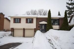 Furnished 2 Bdrm in the Heart of Aylmer All Included June-Oct