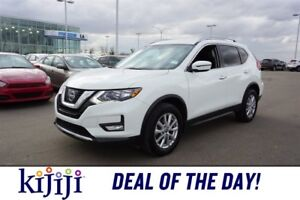 2017 Nissan Rogue AWD SV Accident Free,  Leather,  Heated Seats,
