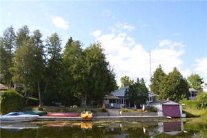 Beautiful cottage Fenelon Falls end of Summer special!!!