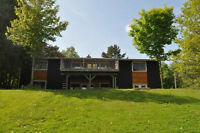 Stunning Waterfront Bungalow (On Hunter's Bay!!)