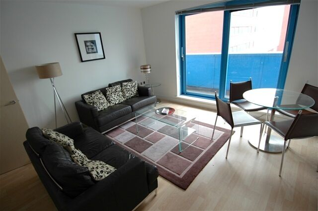 1 bedroom flat in Westgate Apartments, Western Gateway, Canning Town