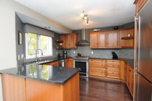 FURNISHED EXECUTIVE Townhouse in RIVERBEND - AVAILABLE NOV. 15!!