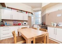 Spacious *5 Bed* flat with parking for let in City Centre - Perfect for Festival!