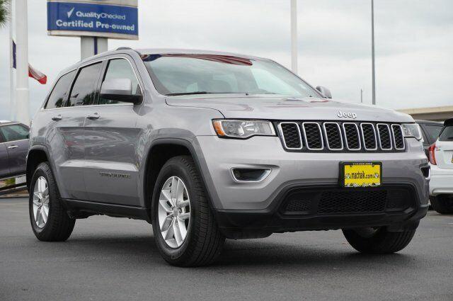 Owner 2017 Jeep Grand Cherokee Laredo 30956 Miles Billet Silver Metallic Clearcoat Spo