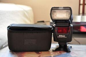 Nikon SB-700 flash