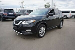 2017 Nissan Rogue SV ALL WHEEL DRIVE Accident Free,  Heated Seat