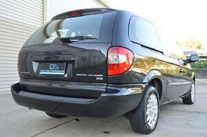 2004 Chrysler Voyager RG 4th Gen MY04 SE Black 4 Speed Automatic Wagon Ashmore Gold Coast City Preview