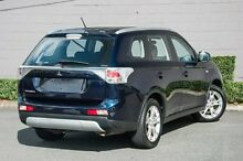2014 Mitsubishi Outlander ZJ MY14.5 ES 4WD Blue 6 Speed Constant Variable Wagon Main Beach Gold Coast City Preview
