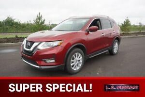 2018 Nissan Rogue SV ALL WHEEL DRIVE Accident Free,  Heated Seat