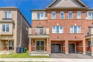 Beautiful Upgraded Semi Detached House Of Brampton Ontario!
