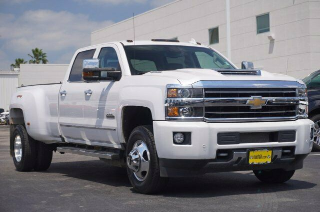 Owner 2019 Chevrolet Silverado 3500HD High Country 9328 Miles Iridescent Pearl Tricoat
