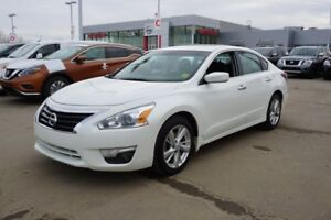 2014 Nissan Altima SV Accident Free,  Navigation (GPS),  Heated