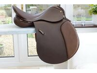Saddle 17in Sandringham very good condition hardly used