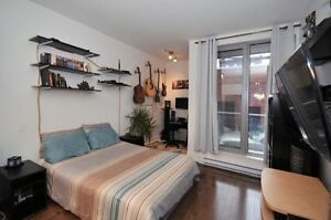 "Montreal ""pied-à-terre"" condo in great neighbourhood!"