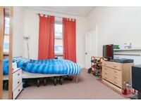 FESTIVAL: Conveniently located 3 bedroom flat located on Fountainbridge, in the heart Tollcross.