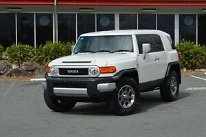 2013 Toyota FJ Cruiser GSJ15R White 5 Speed Automatic Wagon Highland Park Gold Coast City Preview