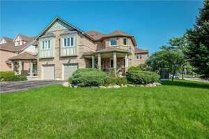 House For Sale In Pickering!!