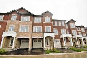 Perfect For First Time Buyer! Near Mount Pleasant Go Station!!!