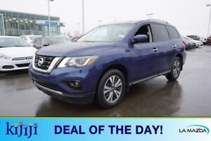 2017 Nissan Pathfinder AWD SV Accident Free,  Heated Seats,  3rd