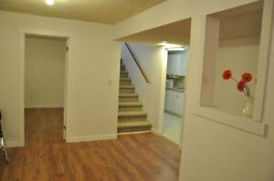 May1st, West Side Renovated 2 bdrm plus Den suite, Close to UL