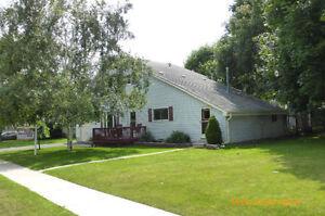 Main Floor 1 Bedroom Duplex for Rent in Bowmanville Aug. 1st