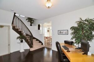 Centre AJAX - Amazing Premium Large Corner Townhome