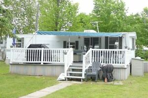 FLEETWOOD CANADIAN COTTAGER PARK MODEL / TURN KEY OPPORTUNITY