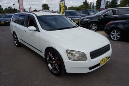 2002 Nissan Stagea M35 250RS White Automatic Wagon