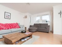 Spacious 2 bedroom, 2nd floor, furnished flat in Fountainbridge available September!