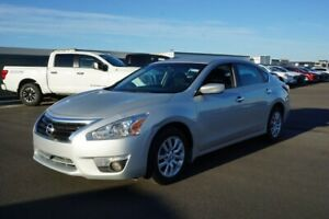 2015 Nissan Altima S Accident Free,  Back-up Cam,  Bluetooth,