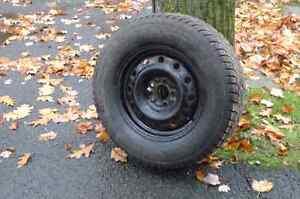 4 pneus d'hiver 235 70r16 avec ou sans roues!