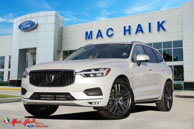 2018 Volvo XC60 Momentum 22887 Miles Crystal White Metallic Sport Utility Interc