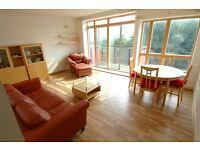 2 bedroom flat in Faraday Lodge, Renaissance Walk, North Greenwich