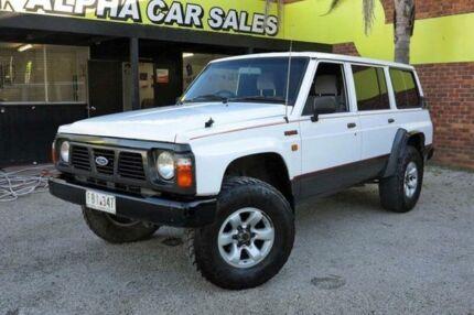 1992 Ford Maverick XL White Manual Wagon